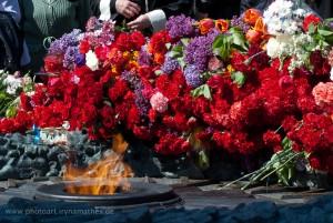 Ewige Flamme zur Erinnerung an die Opfer