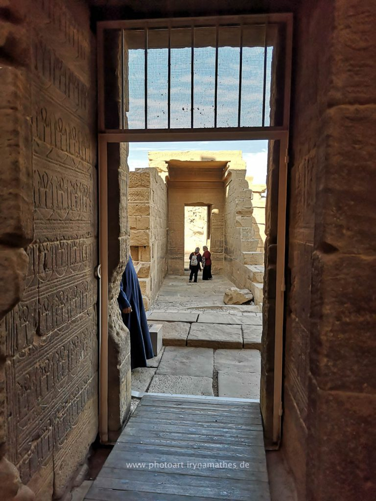 Isis-Egypt-handy-web-094541