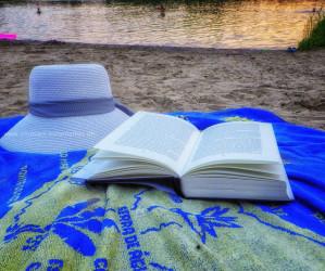 Sommer 2020, Baggersee. Mit Handy und Unterwasserkamera fotografieren